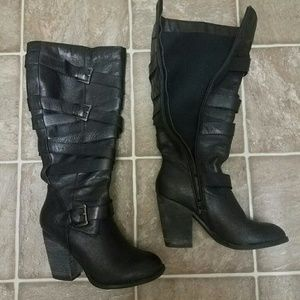 7.5 Steve Madden Black Leather Buckle Boots
